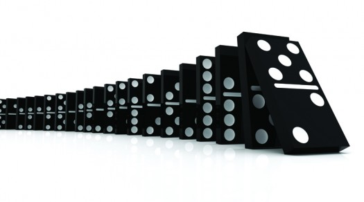 Dominoes web